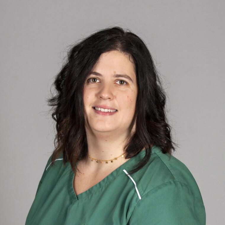 Susanne Fleischmann in der Zahnarztpraxis in Bogen bei Straubing