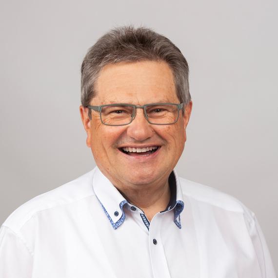 Zahnarzt Dr. Alexander Suellner