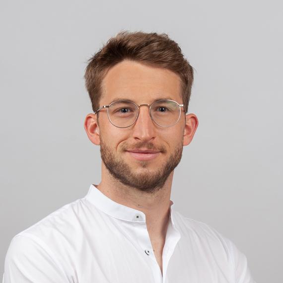 Zahnarzt und Oralchirurg Dr. Guido Suellner